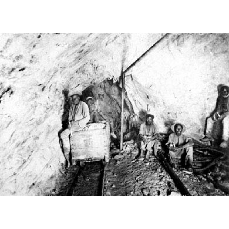Native Gold Miners, South Africa, 1902